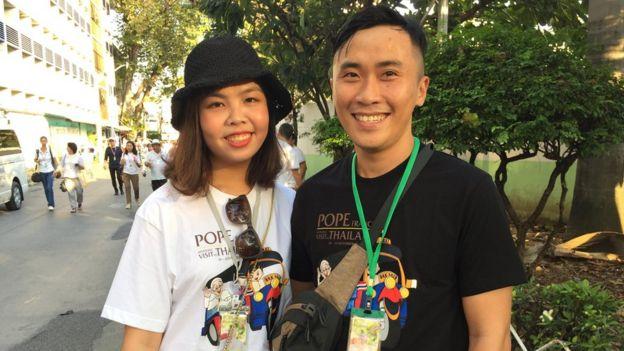 Trương Văn Hoàng, bạn gái là Liên, hơn 30 tuổi, giáo xứ Phổ Cam, giáo phận Huế, đã chuẩn bị hai tháng cho chuyến đi