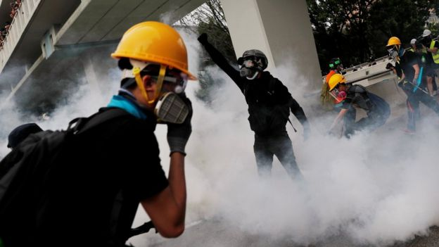 Hong Kong protests: Police fire tear gas at Yuen Long rally