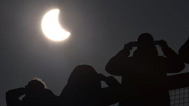 eclipse watchers