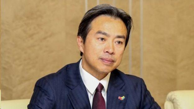 دو وی قبلا سفیر چین در اوکراین بود