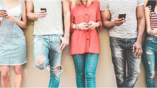 Pessoas buscam parceiros para ter um filho em sites e grupos na internet