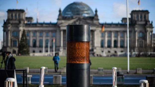 Urn in Berlin, 3 Dec 19