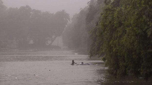 வட இந்தியாவில் புழுதிப்புயல் மற்றும் கனமழை