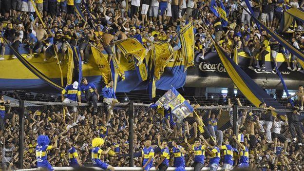 Aficionados de Boca en La Bombonera.