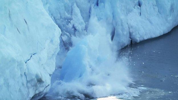 Grandes masas de hielo en el mar