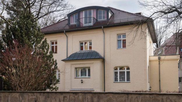 Soğuk Savaş sırasında Dresden'de KGB binası olarak kullanılan bina