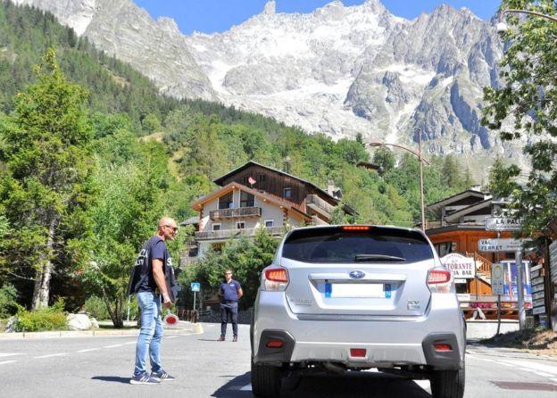 Evacuation in Val Ferret, 6 Aug 20