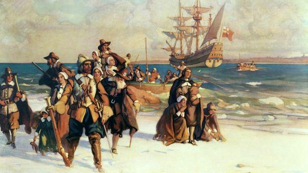 Los Padres Peregrinos llegando a Plymouth, Massachusetts a bordo del Mayflower, noviembre de 1620. Pintura de W.J. Aylward