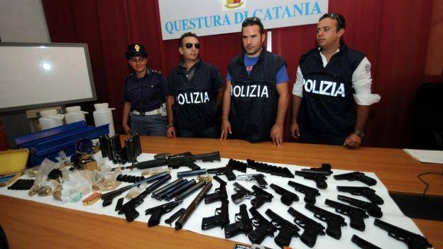 Secuestro de armas de Cosa Nostra.