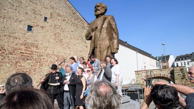Almanya'nın Trier kentindeki Karl Marx heykeli