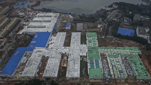 中國再一次在疫症時期短時間內建造醫院,引發海外關注。