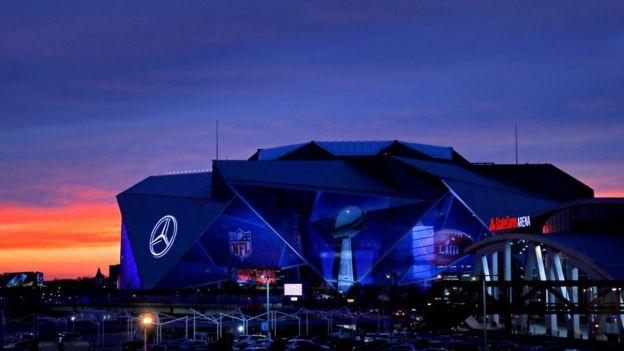 El exterior del estadio Mercedes Benz