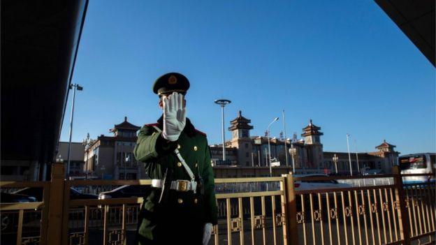 北京火车站外的武警