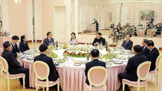 رحب الرئيس الكوري الجنوبي مون جي-إن، الذي سبق أن اجتمع مع الرئيس كيم في وقت سابق هذا العام، الاتفاق