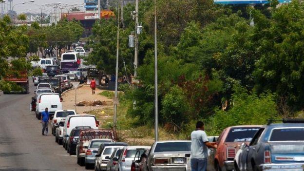 صف بنزین در ماراکایبو ونزوئلا - ماه مه ۲۰۱۹