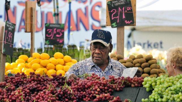 أظهر الباحثون وجود علاقة بين نظام غذائي غني بالخضراوات والفواكه والحبوب والبقوليات والأسماك وزيت الزيتون وبين بطء الشيخوخة