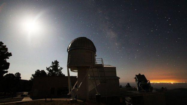 O telescópio fica localizado no observatório Apache Point, no Estado do Novo México, nos EUA
