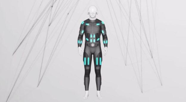 Костюм Teslasuit стимулирует нервные окончания по всему телу
