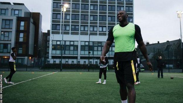 ef2bdd462 Efe Obada: Di Nigerian-born NFL star wey dem abandon on London ...