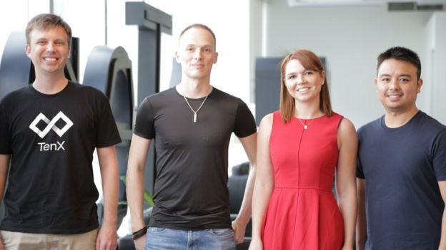 Mike Ferrer e seus colegas na TenX