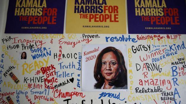 Cartaz da campanha de Kamala Harris