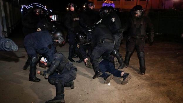 стычки с полицией