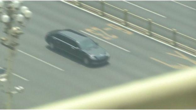 有媒體拍攝到一輛相信接載金正恩的專車,由機場前往北京市中心。