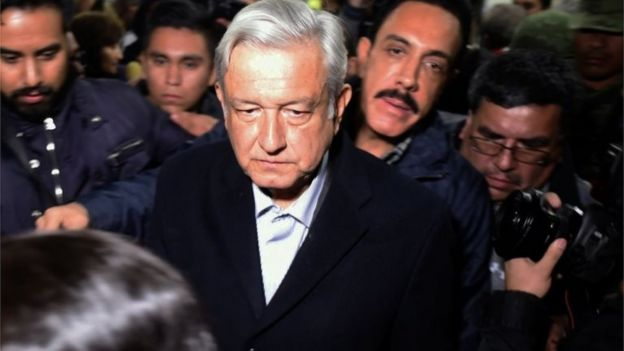 Mexican President López Obrador in gaggle of press (19 January)