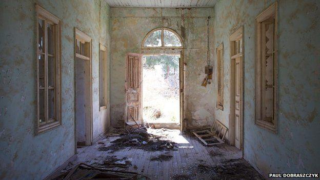 ruined hall way