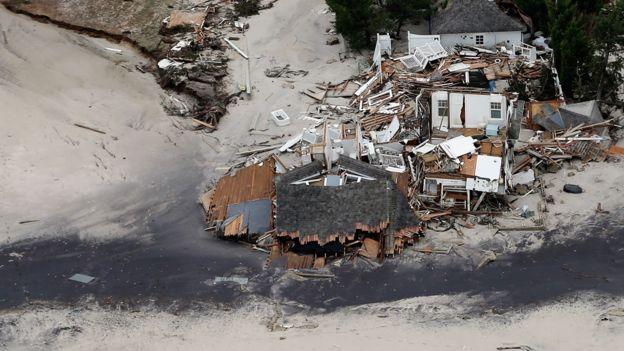 Casas destruidas en Mantoloking, Nueva Jersey, tras el paso del Huracán Sandy