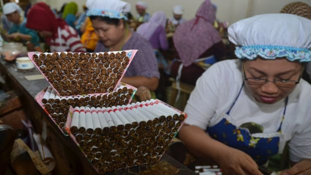 Cigarrillos de clavo en Indonesia