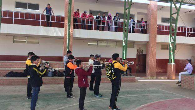 Alumnos de la escuela de Vallegrande
