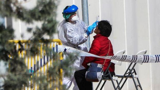 اسپانیا هم اکنون حدود ۴۸ هزار بیمار مبتلا به کووید ۱۹ دارد