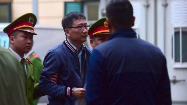 """""""Cháu muốn gửi lời xin lỗi bác Tổng bí thư Nguyễn Phú Trọng, rất mong bác tha thứ cho cháu cũng như người con, người cháu trong gia đình,"""" ông Thanh nói."""