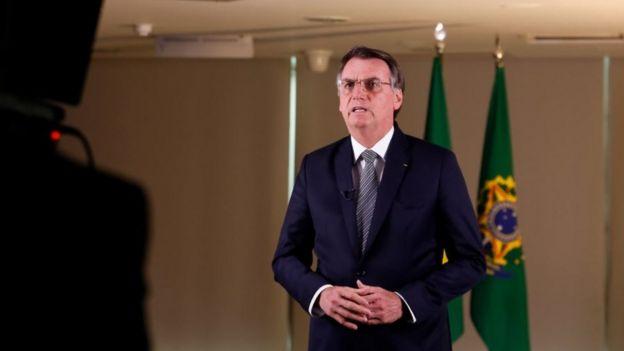 Jair Bolsonaro gravando pronunciamento