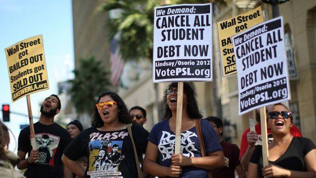 Protesta deuda estudiantil.