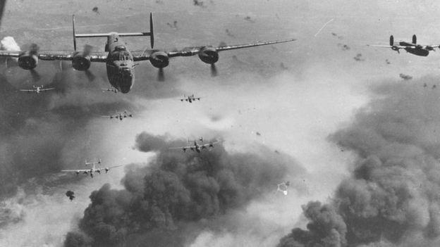การโจมตีของฝ่ายสัมพันธมิตรซึ่งเริ่มขึ้นในปี 1942