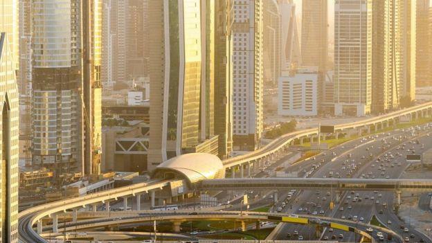 Jalan bebas hambatan di Dubai