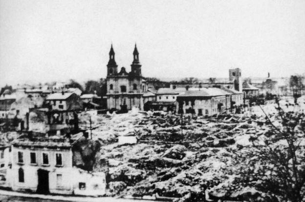 Destrucción en Varsovia