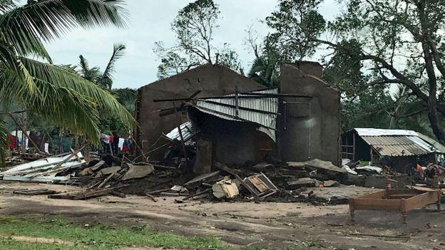 Imagem divulgada em 26 de abril de 2019 pelo Programa Alimentar Mundial mostra casa destruída por ciclone no distrito de Macomia, em Moçambique