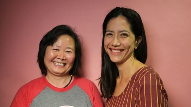 وانغ مع كاتبة المسرحية فرانسيس يا تشو