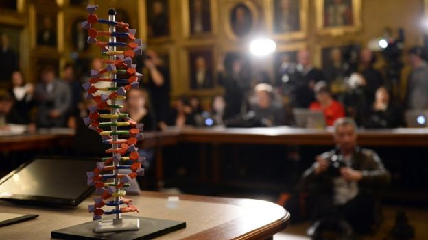 Модель ДНК на вручении Нобелевской премии по химии. 2015 год.