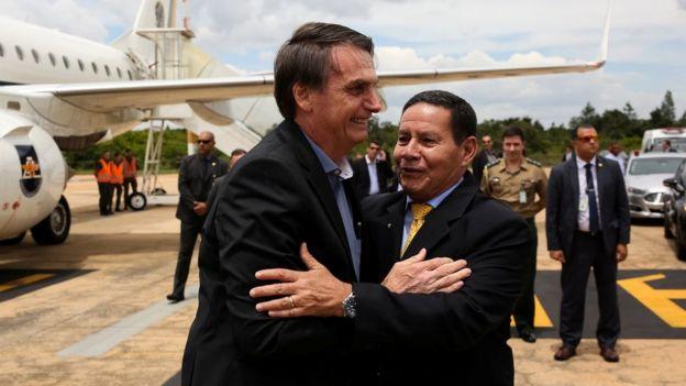 Jair Bolsonaro com o vice Hamilton Mourão