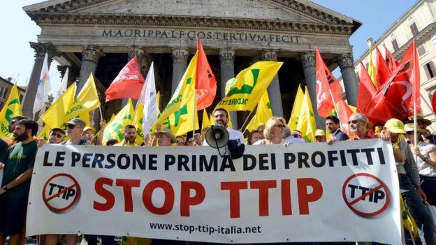 Manifestação em Roma contra a TTIP em 2017