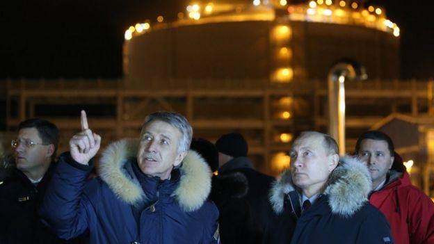 Верхушка российского списка Forbes близка к Кремлю и зарабатывает на сырье и металлах