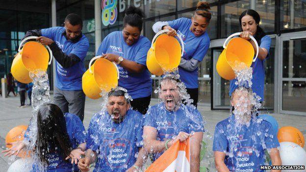 People doing the ice bucket challenge