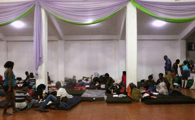 Migrantes haitianos en un albergue en Coatzalcoalcos, México.