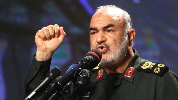 Tướng Hossein Salami cảnh báo Hoa Kỳ rằng Iran sẵn sàng cho bất kỳ kịch bản nào.