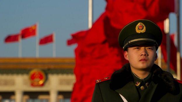 Un guardia chino en Pekñin.
