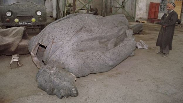 تمثال لينين